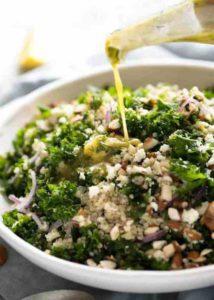 салат с киноа и зеленью