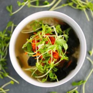 суп-мисо тофу вакамэ