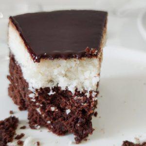 Шоколадно-кокосовий торт